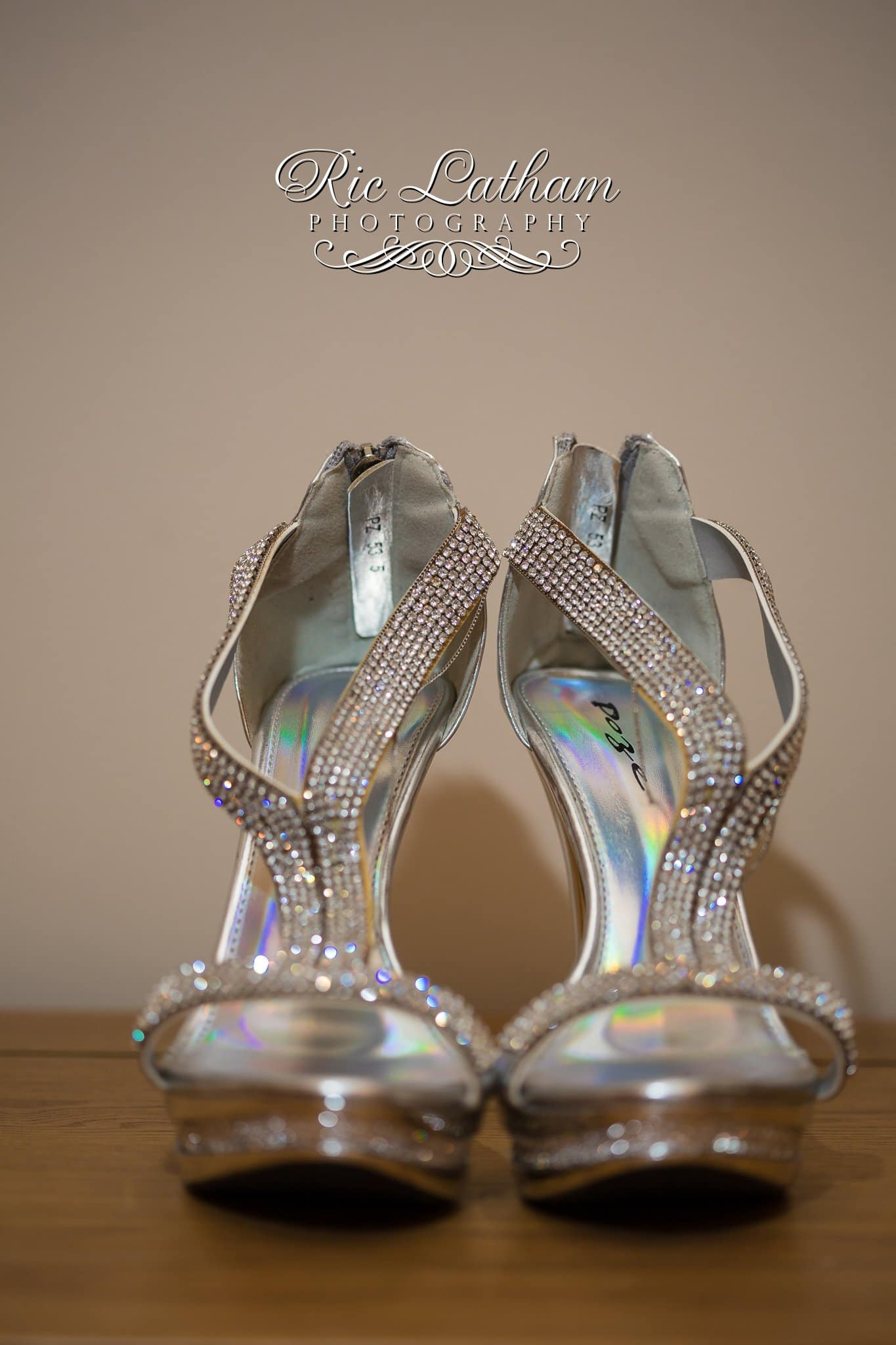 brides-wedding-shoes-004