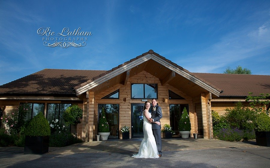 evening sky at styal lodge, final portrait with the bride and groom