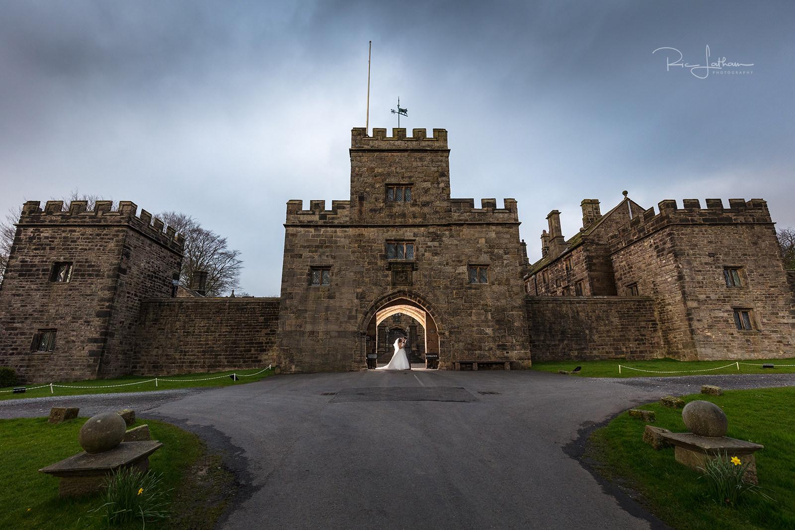 hoghton-tower-bride-driveway