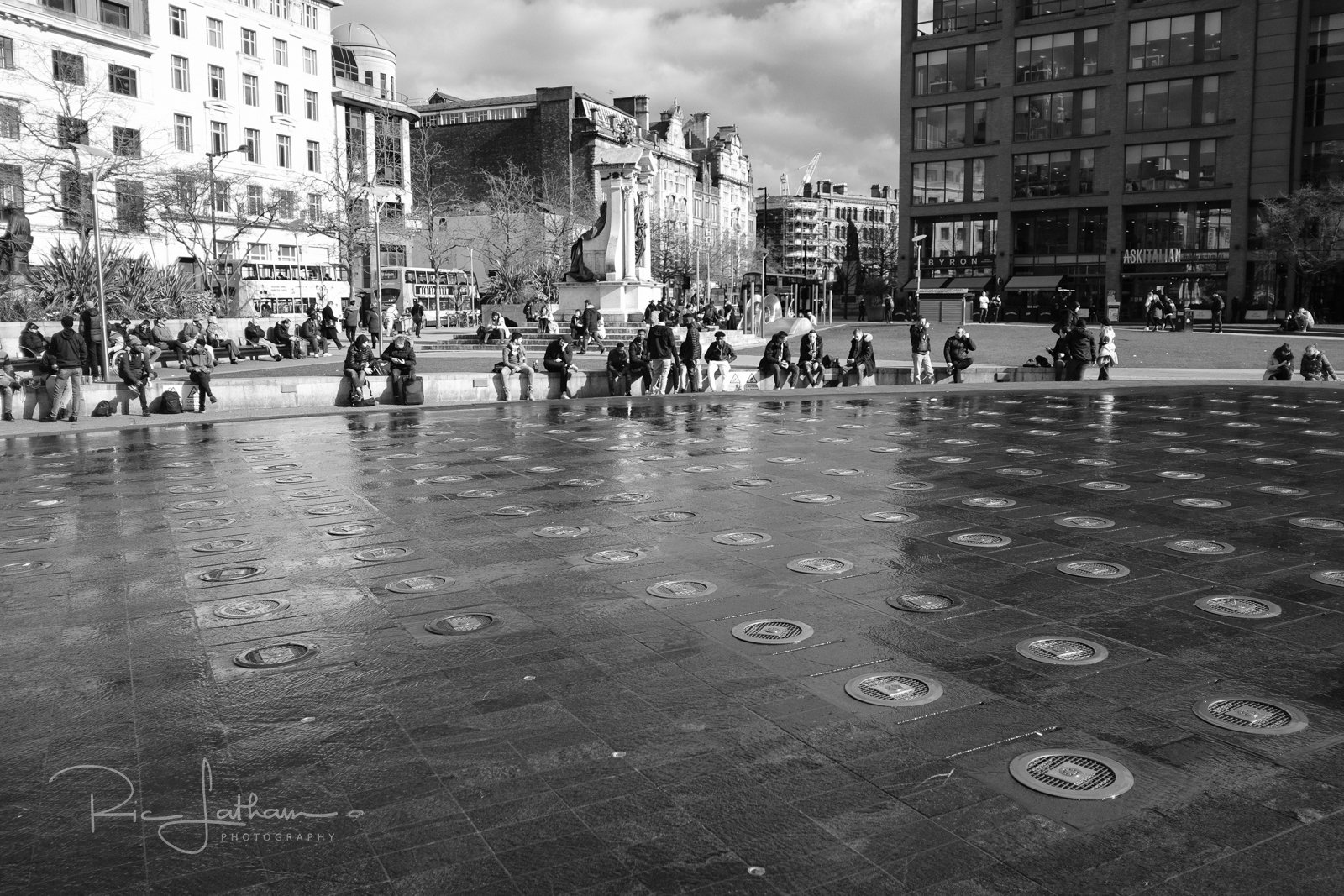 manchester fountains